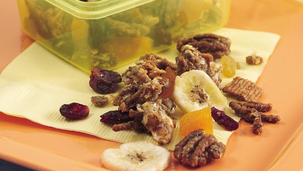 Cinnamon-Fruit Snack Mix
