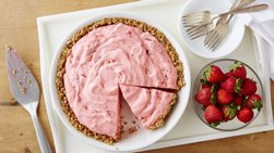Fluffy Strawberry Pie with Pretzel Crust