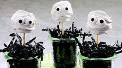 Halloween Mummy Brownie Pops