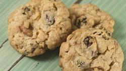 Cake Mix Oatmeal-Raisin Cookies