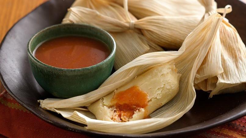 Tamales de Pollo en Adobo