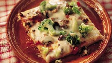 Italian Broccoli and Provolone Pizza