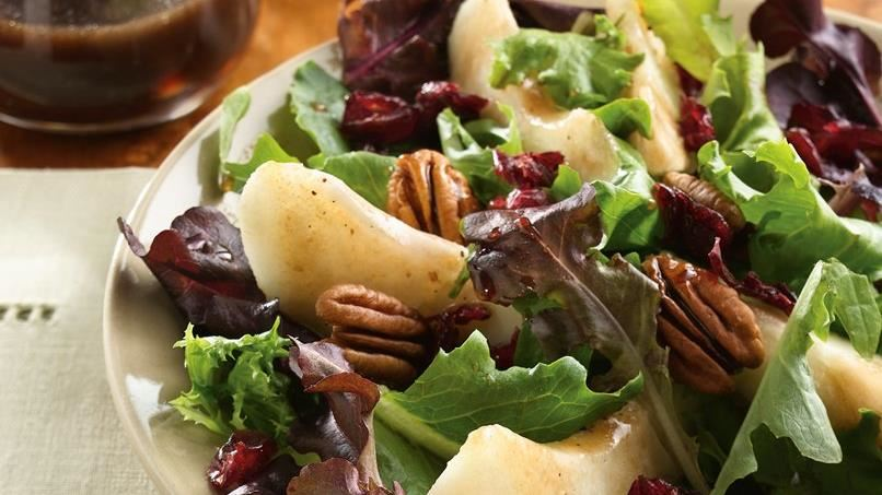 Pear and Greens Salad with Maple Vinaigrette