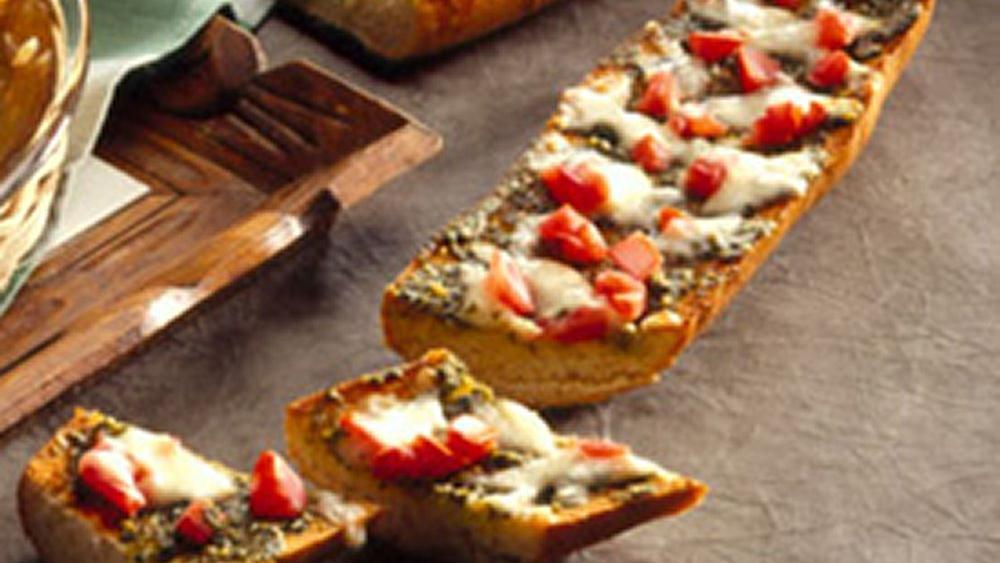 Pesto Mozzarella Loaf