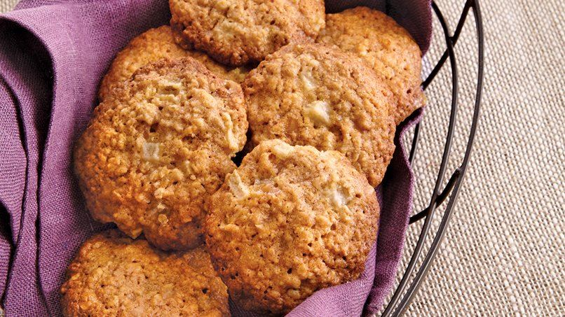 Oatmeal Pear Toffee Cookies