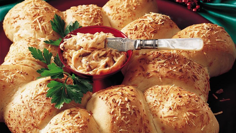 Garlic Bread Wreath
