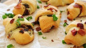 Cheesy Bacon and Caramelized Onion Rolls