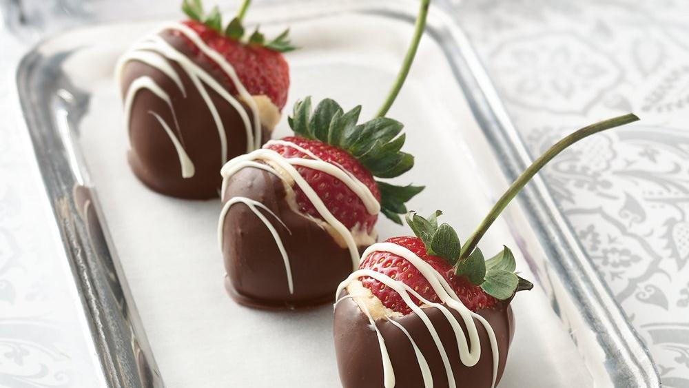 Dipped Cream Cheese Strawberries