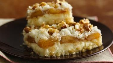 Gluten-Free Apple Streusel Cheesecake Bars