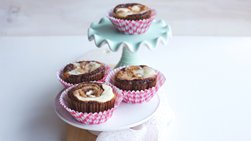 Cookie Butter Cheesecake Brownie Cups