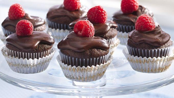 Small Chocolate Cakes With Cream Filling Are Called