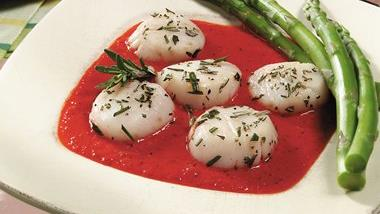 Rosemary Grilled Scallops with Roasted Red Pepper Sauce