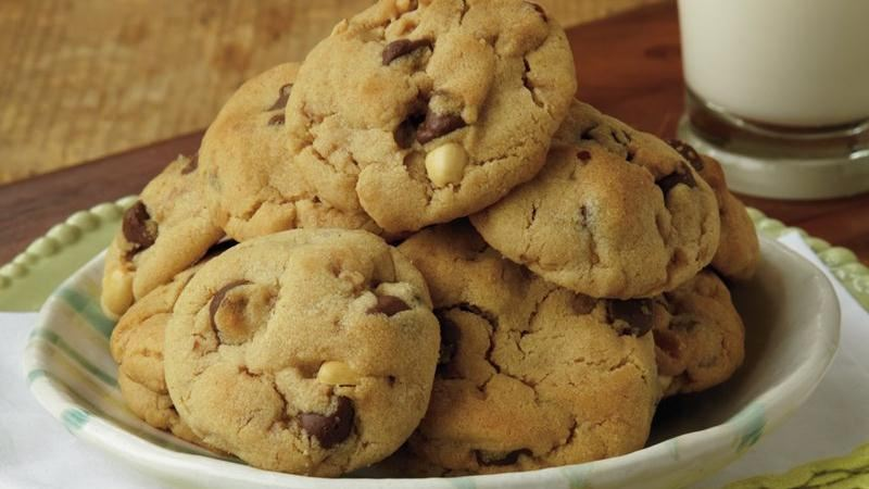 PB and Chocolate Macadamia Cookies