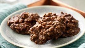 No-Bake Dark Chocolate Granola Cookies