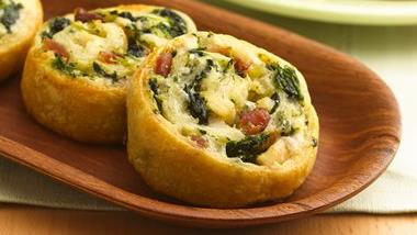 Cheesy Chicken and Spinach Pinwheels