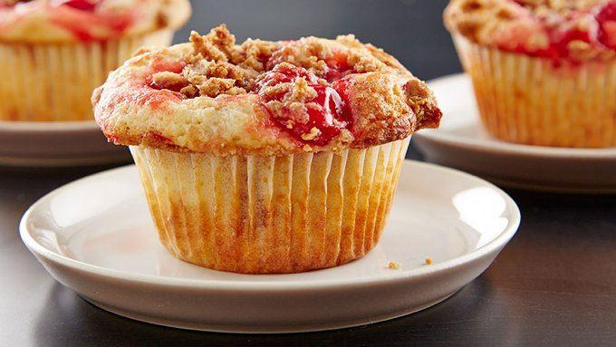 Cheery Cherry Cobbler Cupcakes