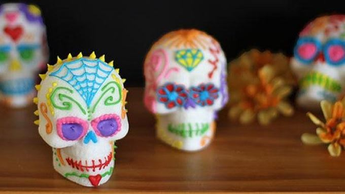 How to Make Sugar Skulls (Calavera de Azúcar) recipe - from ...