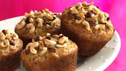 Cheerios™ Banana-Raisin Muffins