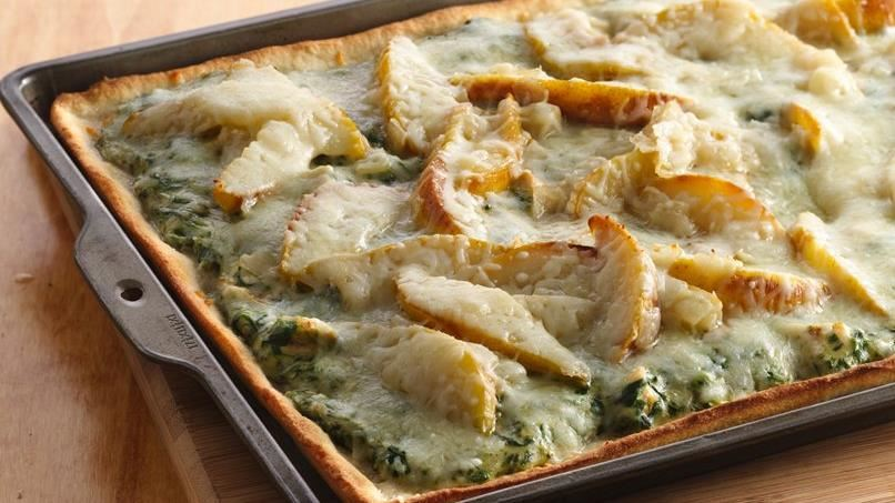 Caramelized Pear, Spinach and Chicken Pizza