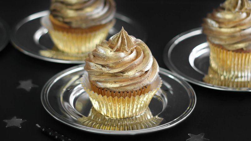 Golden Birthday Cupcakes