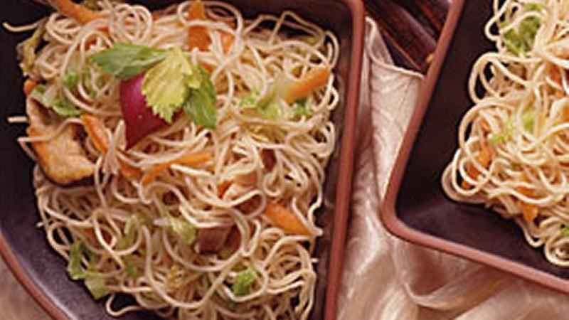 Stir-Fried Noodles with Cabbage