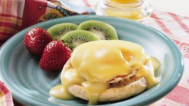 Easy Bacon And Eggs Benedict