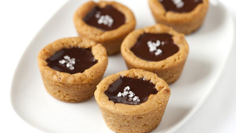 Salted Chocolate Cookie Cups