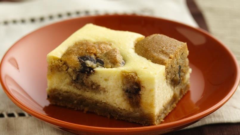 Peanut Butter-Chocolate Chip Cheesecake Bars