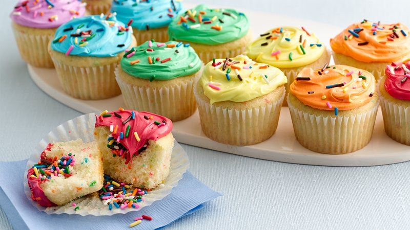 Double Rainbow Cupcakes recipe from Betty Crocker