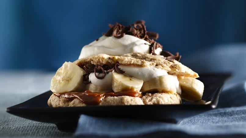 Pecan-Cinnamon Shortcakes with Bananas and Dulce de Leche