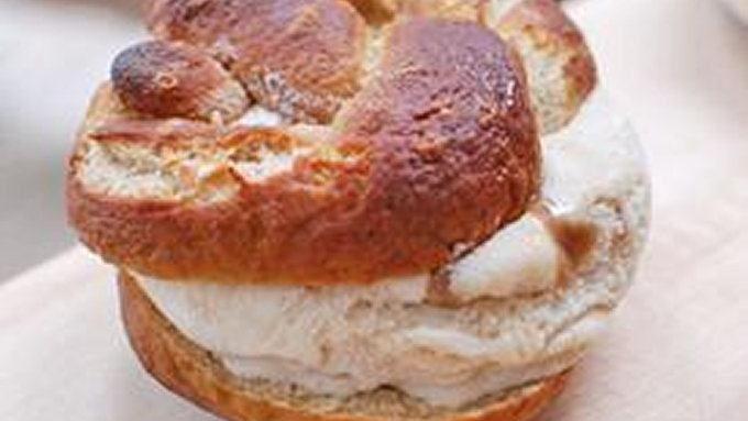 Pretzel-Caramel Ice Cream Sandwiches