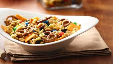 Dulce de Leche Cheerios® Snack Mix