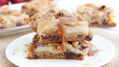Caramel Apple Pie Cookie Bars