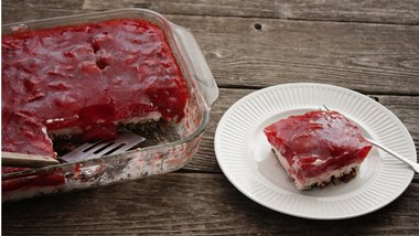 Strawberry-Pretzel Salad