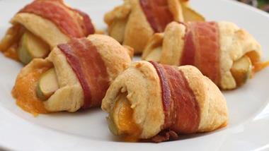 Bacon-Wrapped Apple-Cheddar Rolls