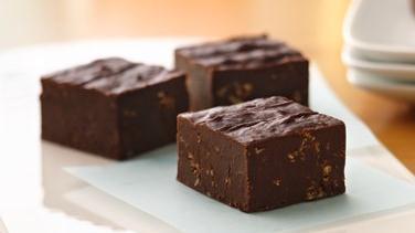 Sugar Cookie-Chocolate Crunch Fudge