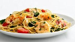 Skinny Garlic Shrimp Pasta
