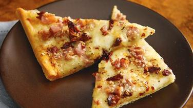 Spicy Double-Mozzarella Pancetta Pizza