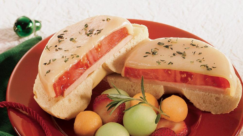 Tomato Provolone Bagel Melts