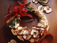 Cinnamon-Apple Wreath