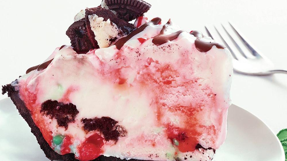 Peppermint Cookie Ice Cream Pie