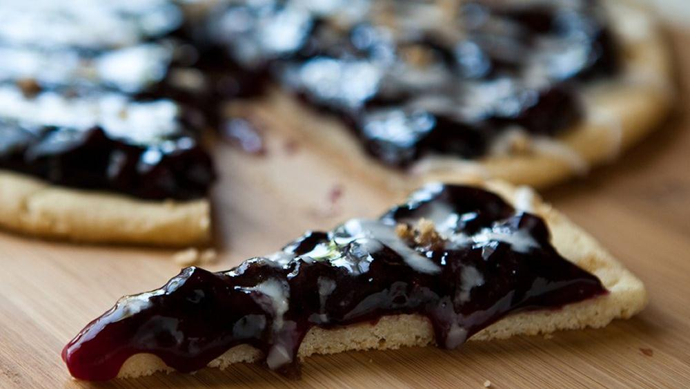 Blueberry Cookie Pizza