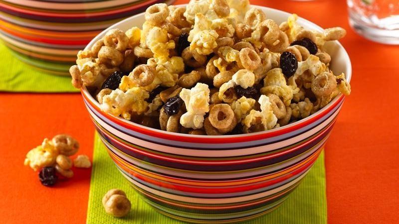Cinnamon-Popcorn Snack