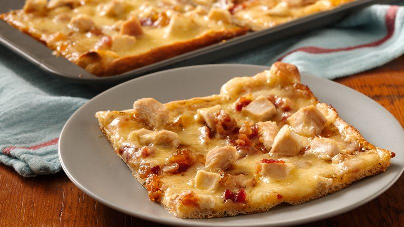 Sweet Chicken and Gouda Pizza