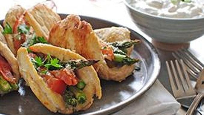 Chicken, Asparagus and Tomato Boats with Greek Yogurt Dip