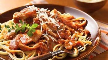 Slow-Cooker Chicken Cacciatore with Linguine