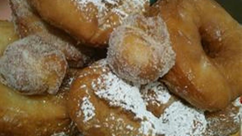 Simple Homemade Donuts (Fried)