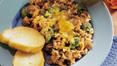 Cheesy Burger, Rice and Broccoli Skillet