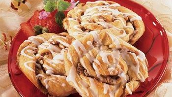 Simply Super Crescent Cinnamon Rolls