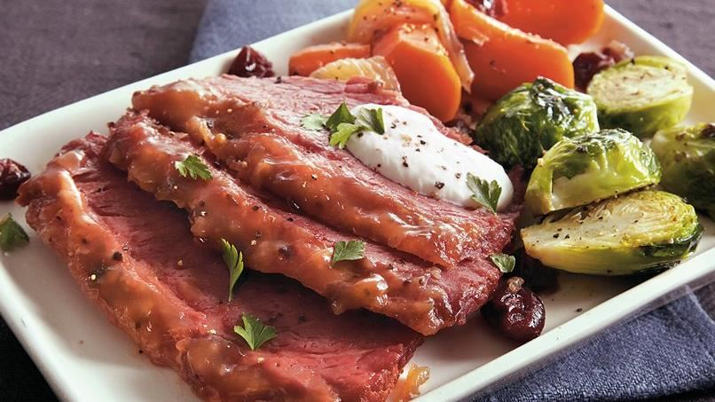 Slow-Cooker Cranberry Corned Beef
